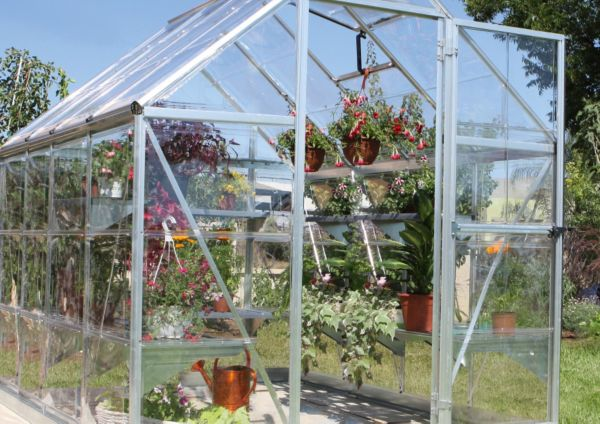 Greenhouses & Growhouses