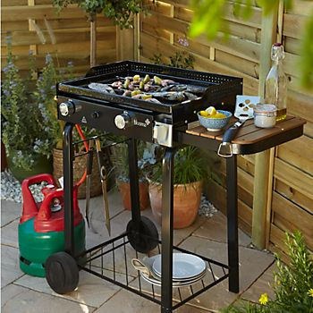 Gas barbecue with gas cannister