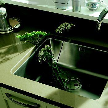 Bespoke quartz kitchen worktop