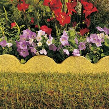 Scalloped Paving Edging Buff, (L)600mm (H)150mm (T)50mm Pack of 48