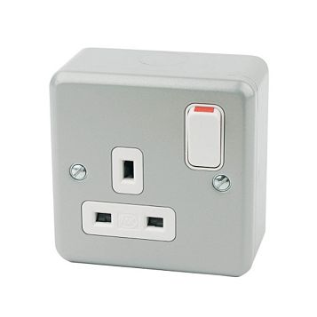 MK 13A 1-Gang Switched Socket
