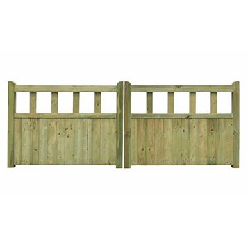 Grange Planed Timber Driveway Gate (H)900mm (W)2400mm