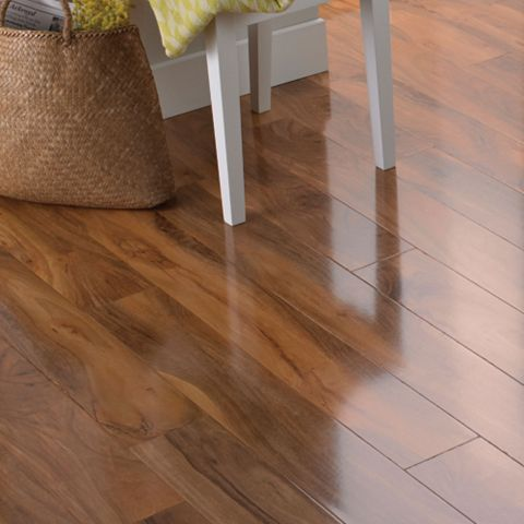Dolce Walnut Effect Laminate Flooring 1.19 m² Pack