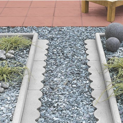 Round Top Paving Edging Grey, (L)600mm (H)150mm (T)50mm, Pack of 48