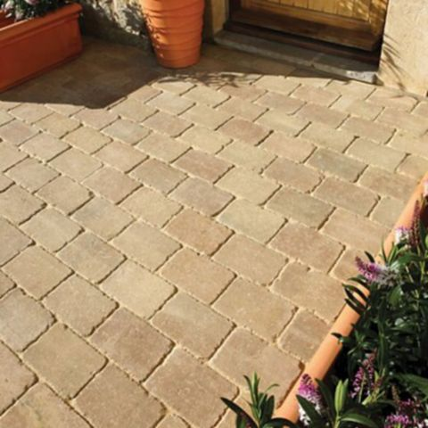 Fossil Buff Woburn Rumbled Block Paving (L)200mm (W)134mm, Pack of 366, 9.05 m²