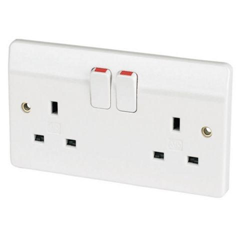 MK 13A 2-Gang White Switched Socket