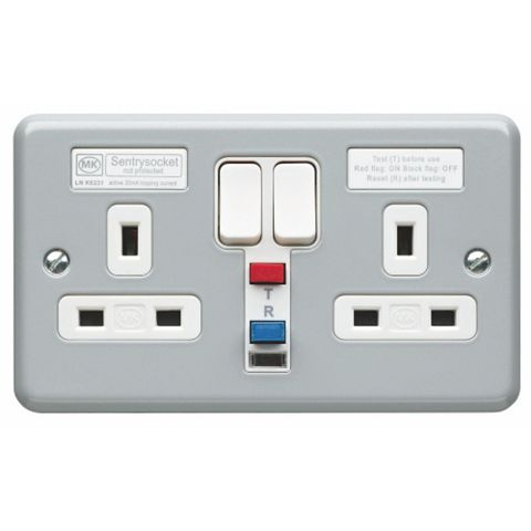 MK 13A 2-Gang Switched Socket with Active RCD