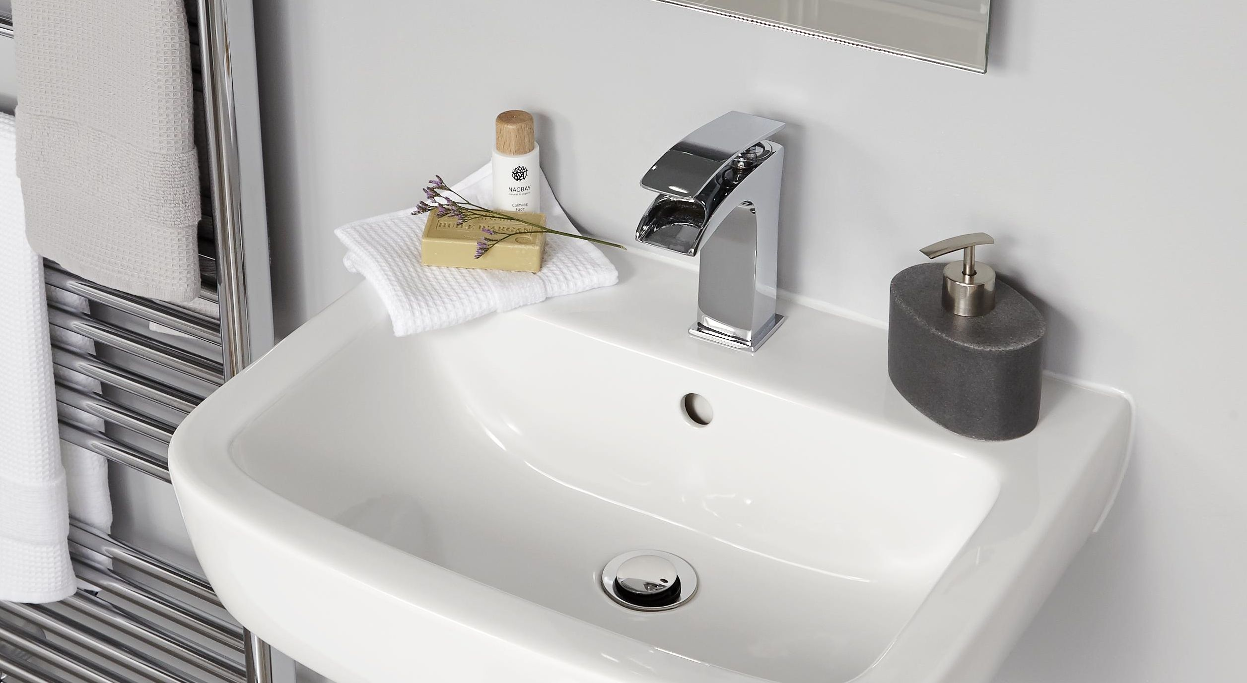 Bathroom Taps buyer's guide to bathroom taps | help & ideas | diy at b&q