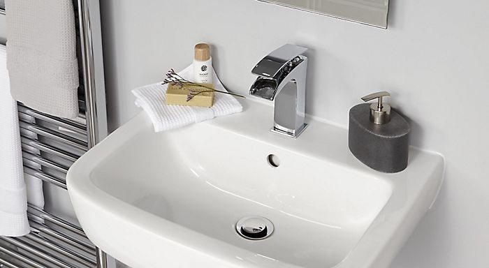 Buyer S Guide To Bathroom Taps Help Ideas Diy At B Q
