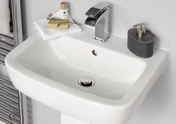 Bathrooms | Bathroom Fittings & Accessories | DIY at B&Q