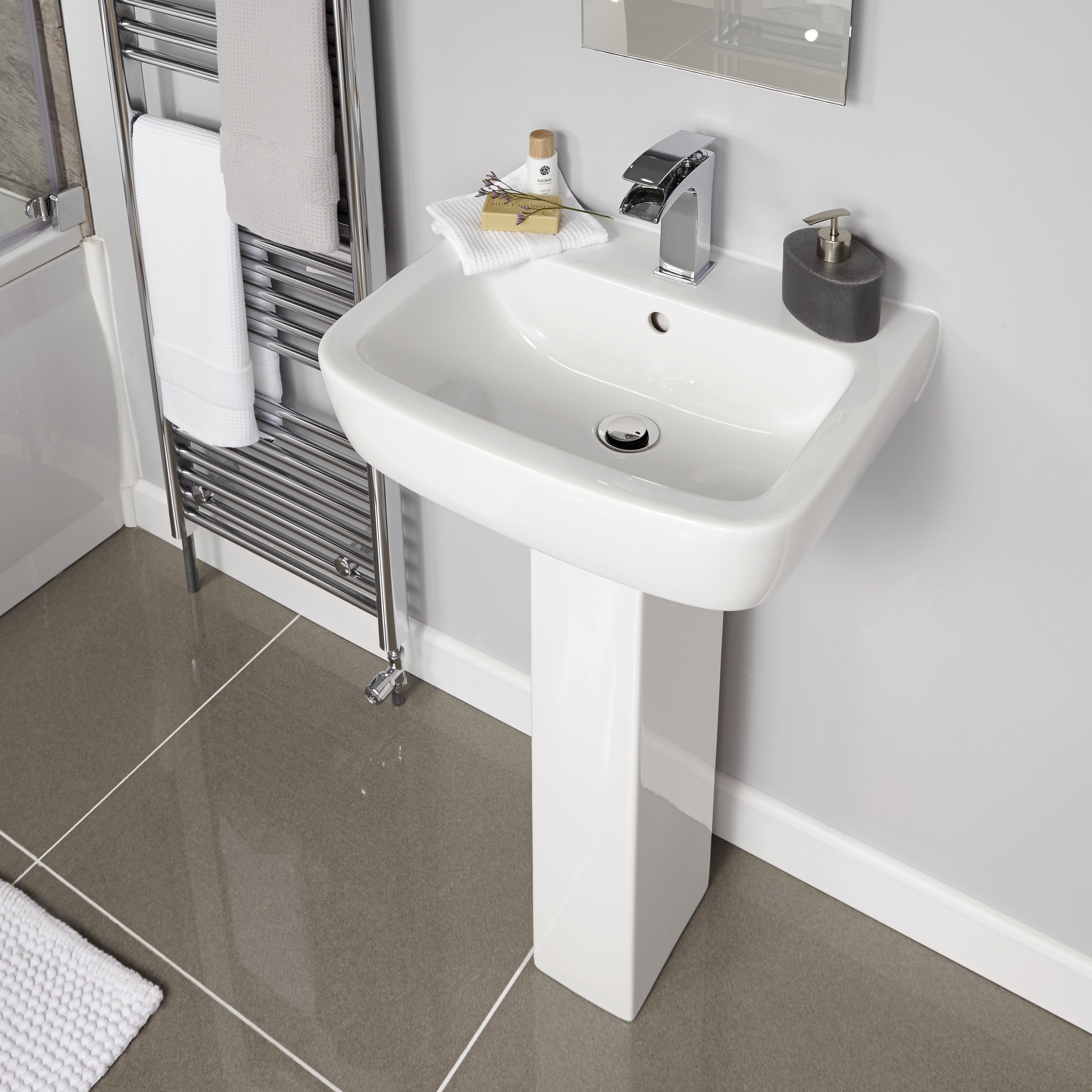 Bathrooms Bathroom Fittings Accessories Diy At B Q