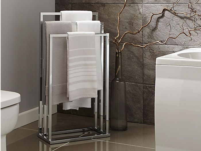 Towel rail with many towels