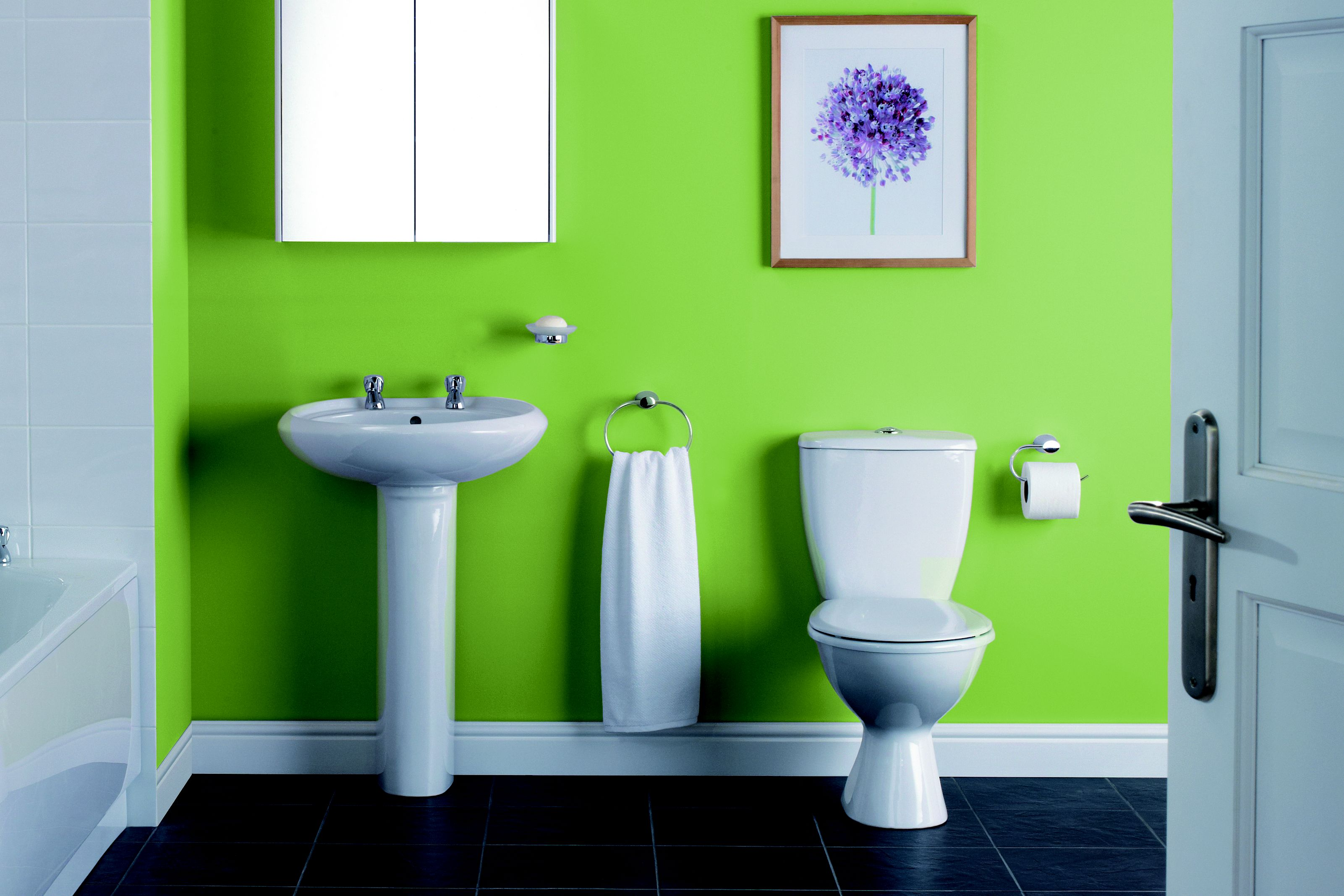 Image of Newbury bathroom suite