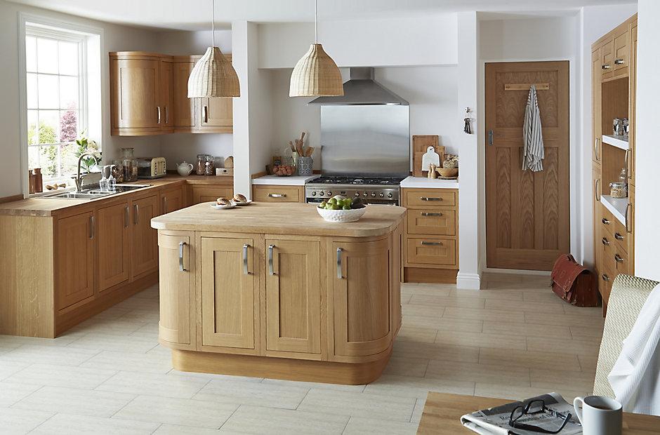 Cooke lewis carisbrooke oak framed diy at b q for Kitchens b q cooke and lewis