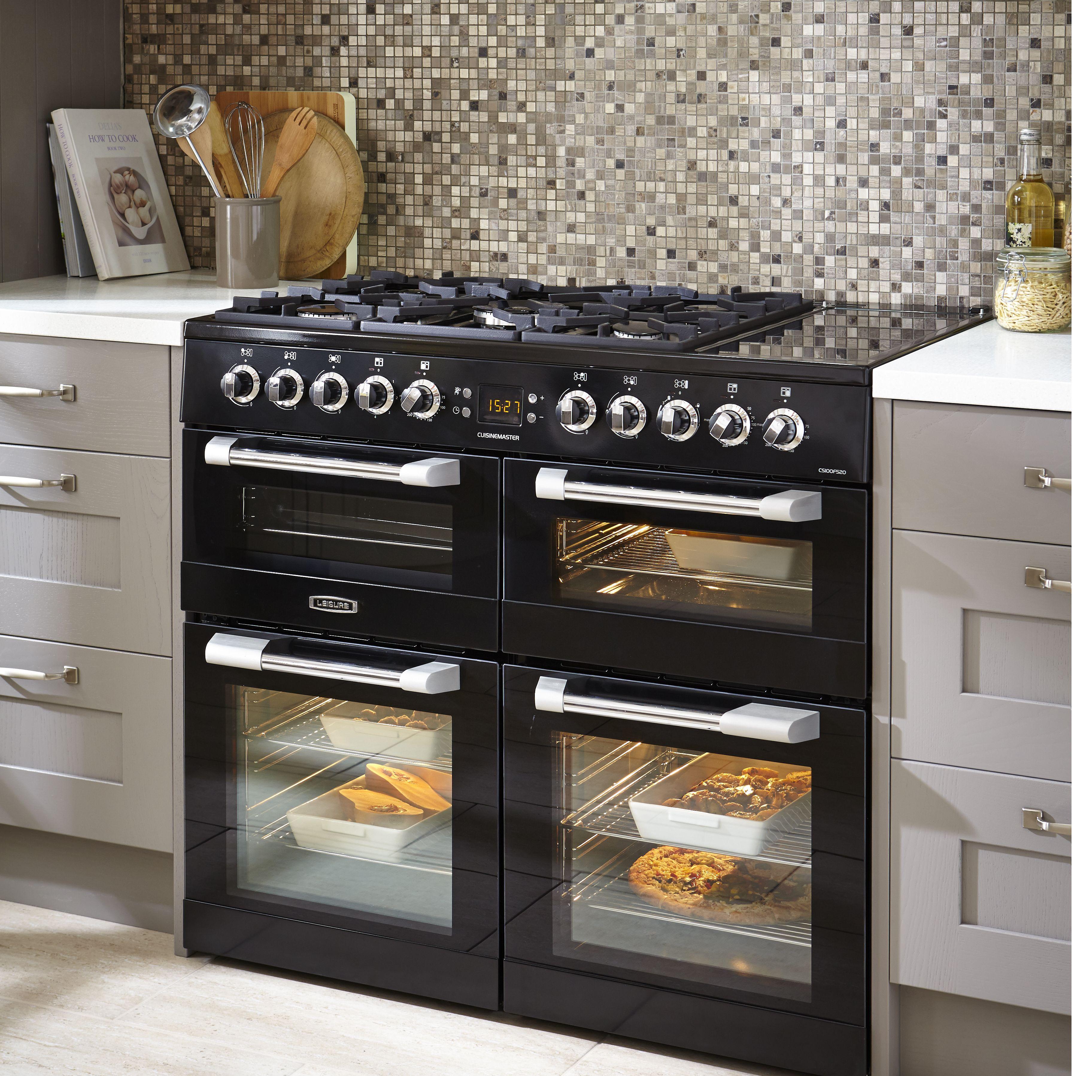 15 Outstanding Industrial Kitchens: Industrial Kitchen Design Ideas