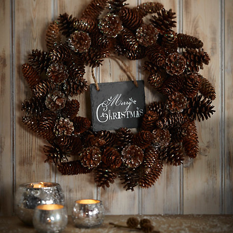 A buyers guide to wreaths & garlands
