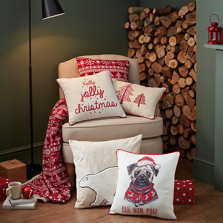 Traditional Christmas Decor Collection