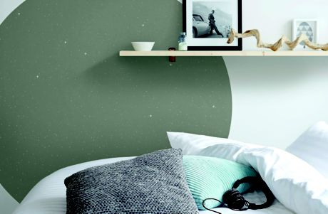 Image of bedroom with glitter paint