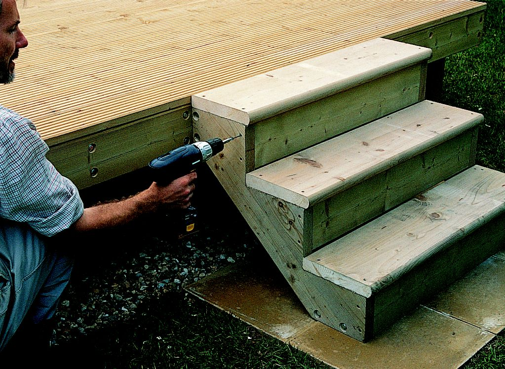How to add steps railing to decking ideas advice for Steps to building a new home