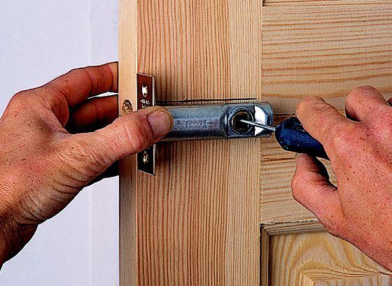 Step 4 & How to hang an internal door | Help \u0026 Ideas | DIY at B\u0026Q Pezcame.Com