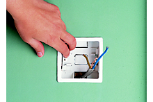 How to fit and replace electric sockets