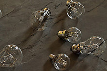 Light bulbs buying guide