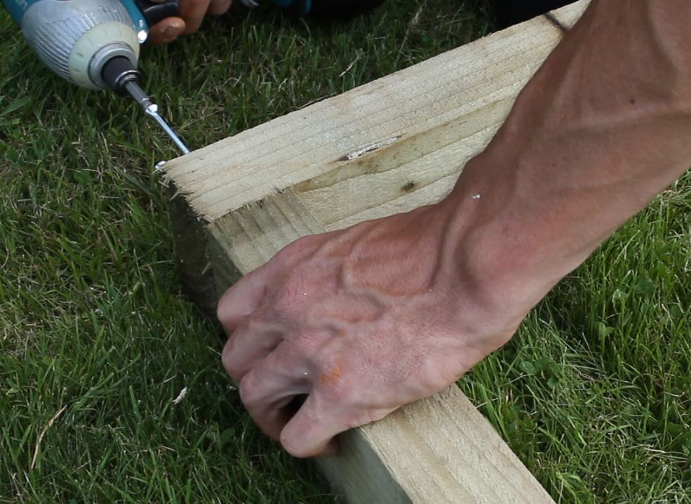 how to build a timber shed base
