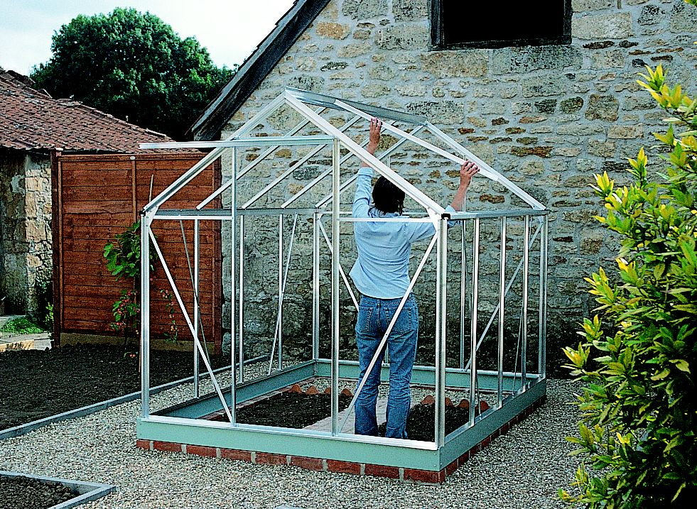 How To Build A Greenhouse Help Amp Ideas Diy At B Amp Q