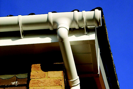 picture of half round guttering