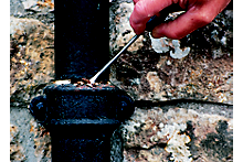 How to repair guttering