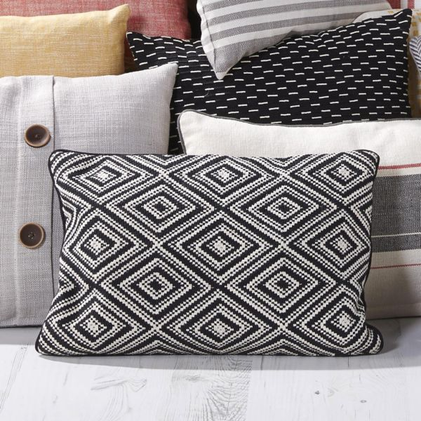 Diamond Weave Black & Cream Cushion