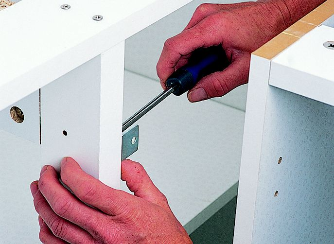How to fit kitchen units help ideas diy at b q for Fitted kitchen drawer unit