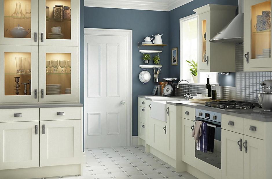 Cooke lewis carisbrooke ivory heritage kitchens for B q kitchen designs