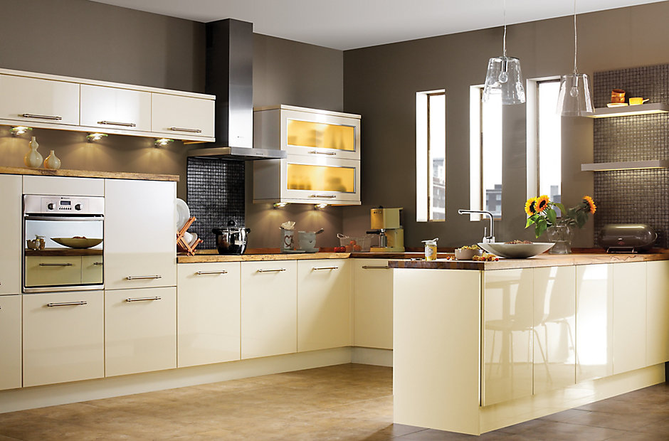 It gloss cream slab kitchen ranges kitchen rooms for Cream kitchen ideas