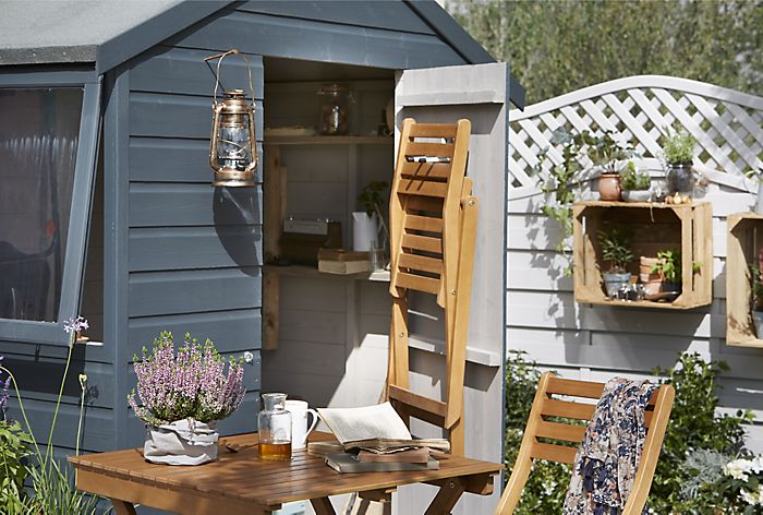 How to paint a wooden shed or fence ideas advice diy at b q - Paint exterior wood set ...