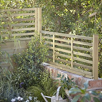 decorative fencing with planting