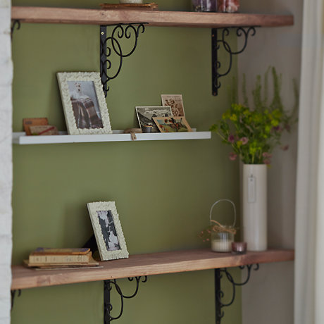 How to create rustic shelving