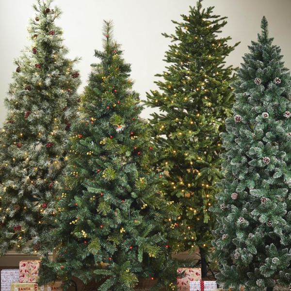 Traditional christmas trees decorations diy at b q for B q christmas decorations