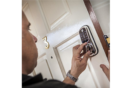 Homefit installation of Yale smart lock