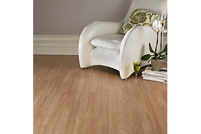 Oak Effect 3 Strip Laminate Flooring 3m² Pack