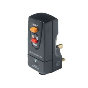 View B&Q 13A 3 Pin Safety Plug details