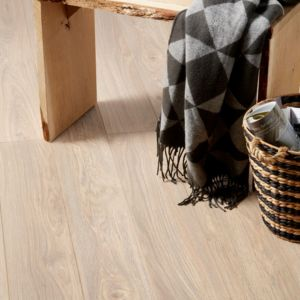 Gawler Natural Oak effect Laminate flooring Sample