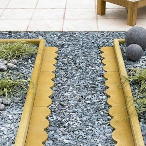 View Traditional Scalloped Paving Edging Buff, (L)600mm (H)150mm (T)50mm details