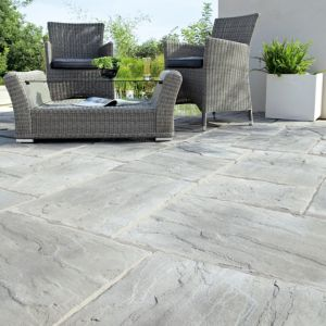 View Grey Wetherdale Mixed Size Paving Pack, 5m² details