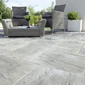 View Grey Wetherdale Mixed Size Paving Pack, 10m² details