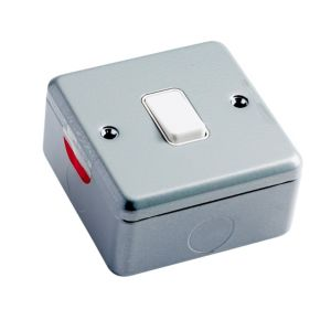 View MK 1-Gang 2-Way 10A Metal Clad Single Light Switch details
