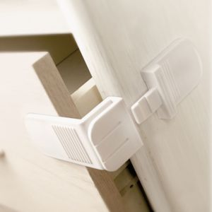 View Lindam Angle Lock, Pack of 2 details