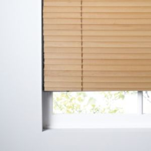 View Colours Marco Natural Venetian Blind (W)180cm (L)160cm details