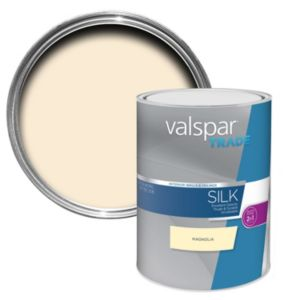 Image of Valspar trade Trade Magnolia Silk Wall & ceiling paint 5L