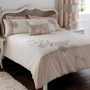 View Chartwell Rosa Floral Pink & White Kingsize Bed Cover Set details